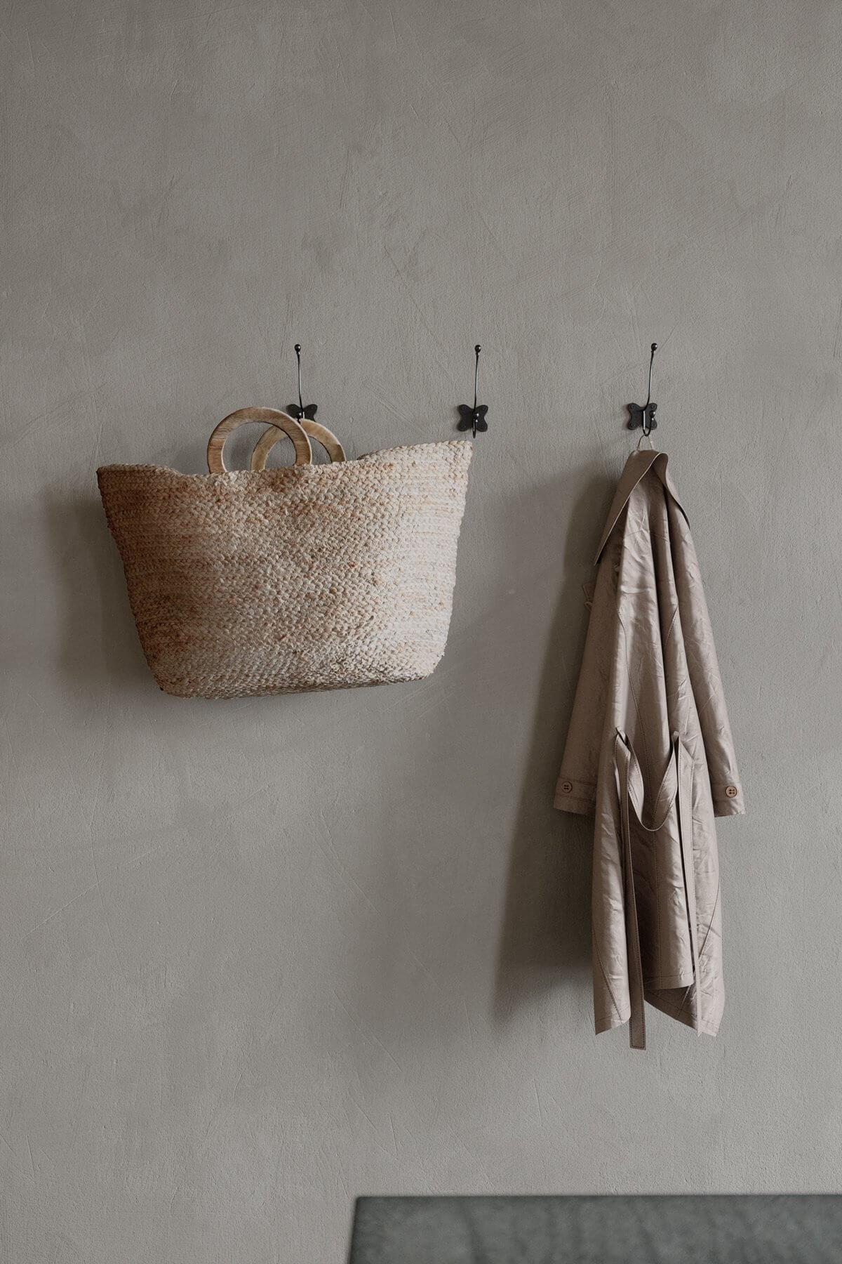 Studio Apartment in Berlin Kreuzberg-living-room-hanger-basket